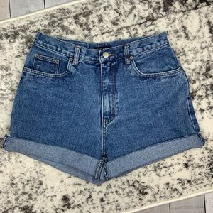 Bill Blass vintage cutoff mom jean shorts